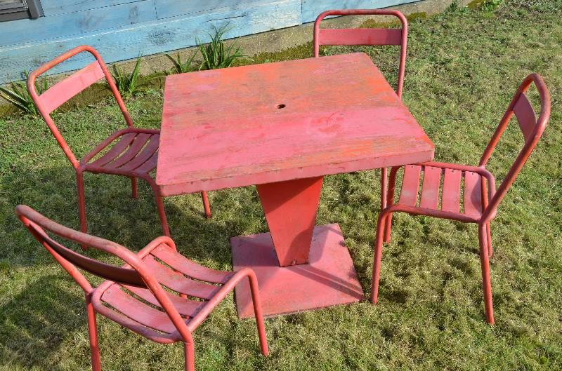 Suite de 4 chaises bistrot tolix T1 années 50, Mobilier industriel, Mobilier | Puces Privées