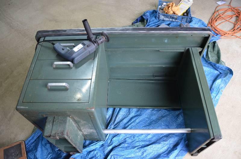 Petit bureau métallique Strafor années 50, Mobilier industriel, Mobilier | Puces Privées