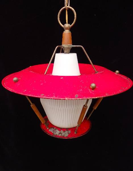 Suspension en tôle rouge années 50, Suspensions, Luminaires | Puces Privées