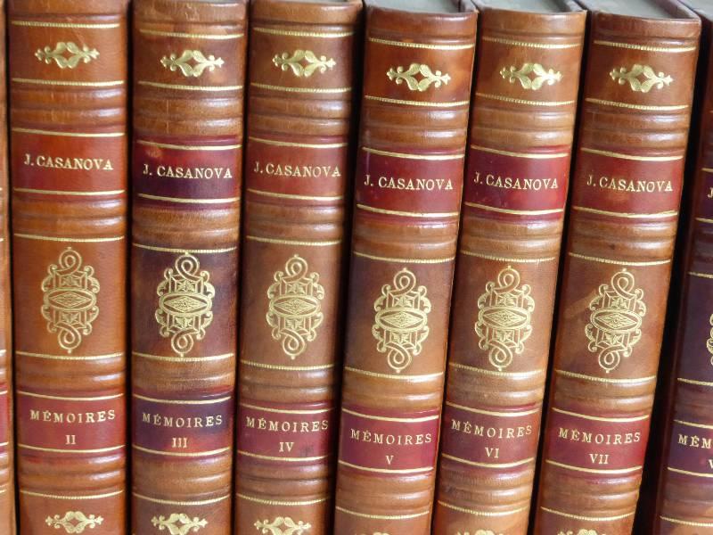 No - 156 -  Mémoires de J . Casanova de Seingalt , écrits par lui-même en huit volumes reliés cuir, Livres anciens (de 1900 à 1960), Livres | Puces Privées