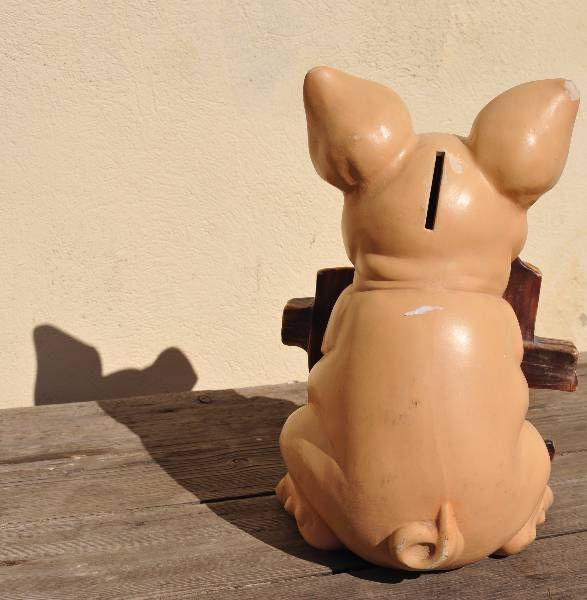Amusante tirelire cochon de charcutier, Poteries, Cuisine | Puces Privées
