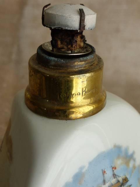 No - 173 -  Lampe Berger , Couleuvre Porcelaine 1964 - 1966 ., Céramiques, faïence anciennes, Arts décoratifs | Puces Privées
