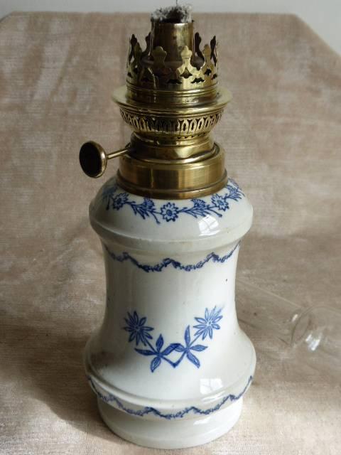 No - 174 -  Lampe à pétrole  Saint- Uze   (dans le goût ), Lampes, Luminaires | Puces Privées