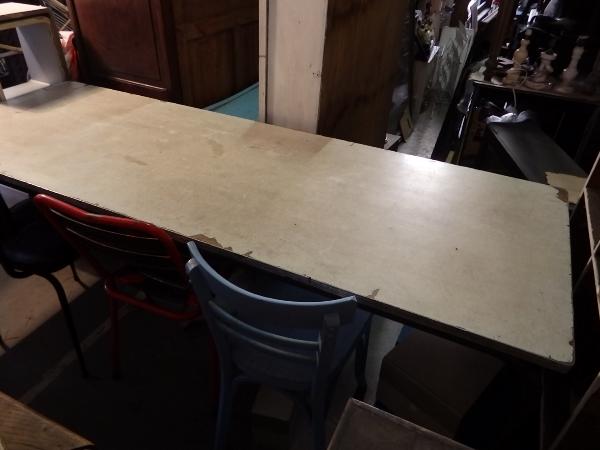 Table de réfectoire, table de cantine, des années 60, Tables de salle à manger, Mobilier | Puces Privées