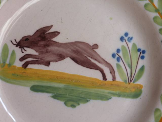 No - 196 -  Assiette en faïence  au lièvre, Céramiques, faïence anciennes, Arts décoratifs   Puces Privées