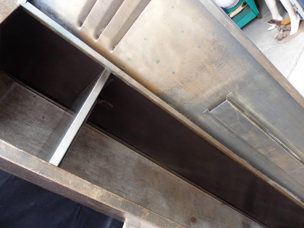 Vestiaire deux portes en métal brossé, Mobilier industriel, Mobilier | Puces Privées