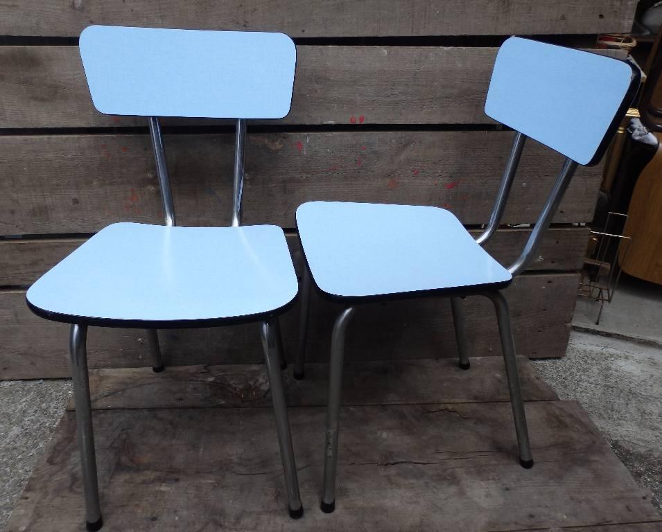 Chaise en formica bleu, Chaises - tabourets, Sièges   Puces Privées