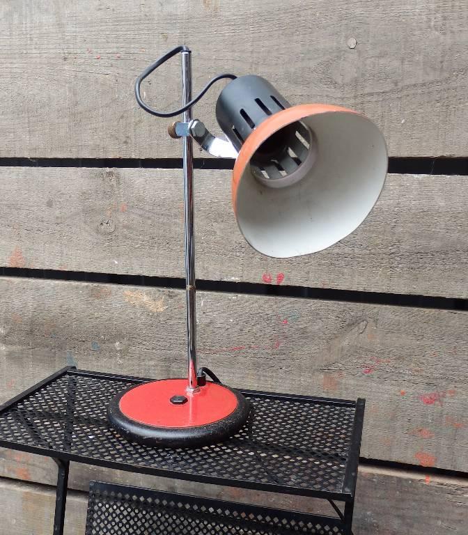 Lampe de bureau d'architecte rouge et noire   Puces Privées