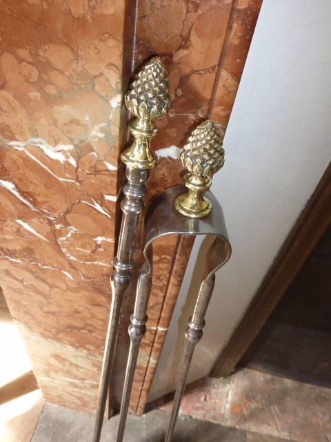 No - 202 -  Pince et pelle de cheminée , fer et bronze , époque 19 ème . | Puces Privées