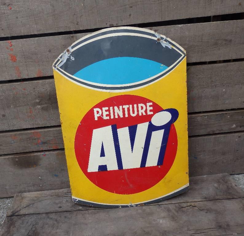 Plaque métal peinte publicitaire marque AVI | Puces Privées