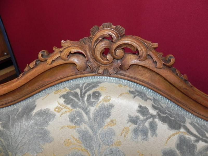 MAGNIFIQUE PAIRE DE BERGERES A OREILLES EN NOYER DE STYLE LOUIS XV   Puces Privées