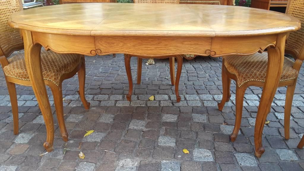 table de repas en chene louis XV avec rallonge | Puces Privées