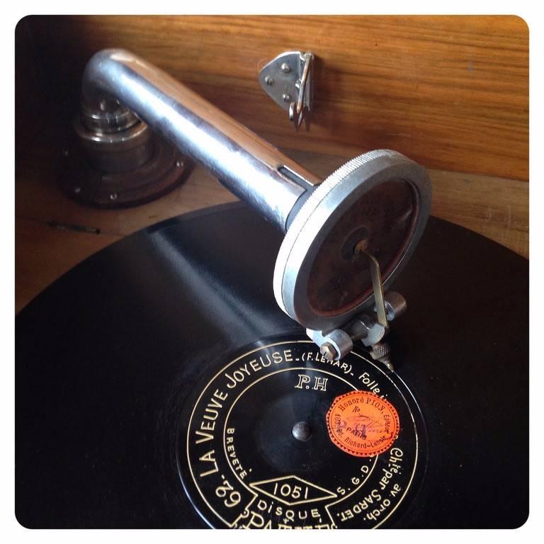 Gramophone Ca.1930 | Puces Privées