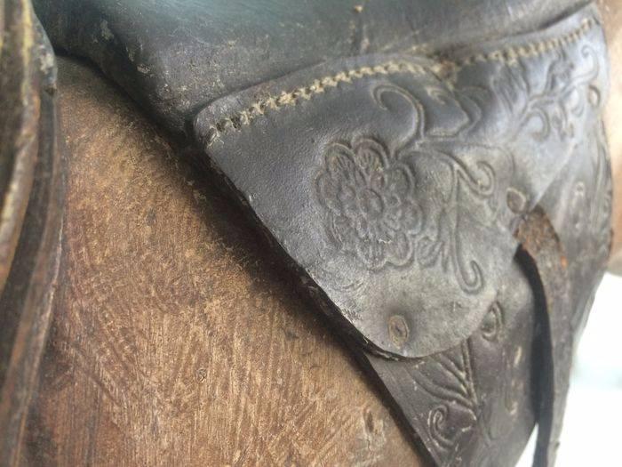 joli cheval de bois | Puces Privées
