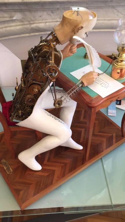 Pierrot l'écrivain squelette | Puces Privées