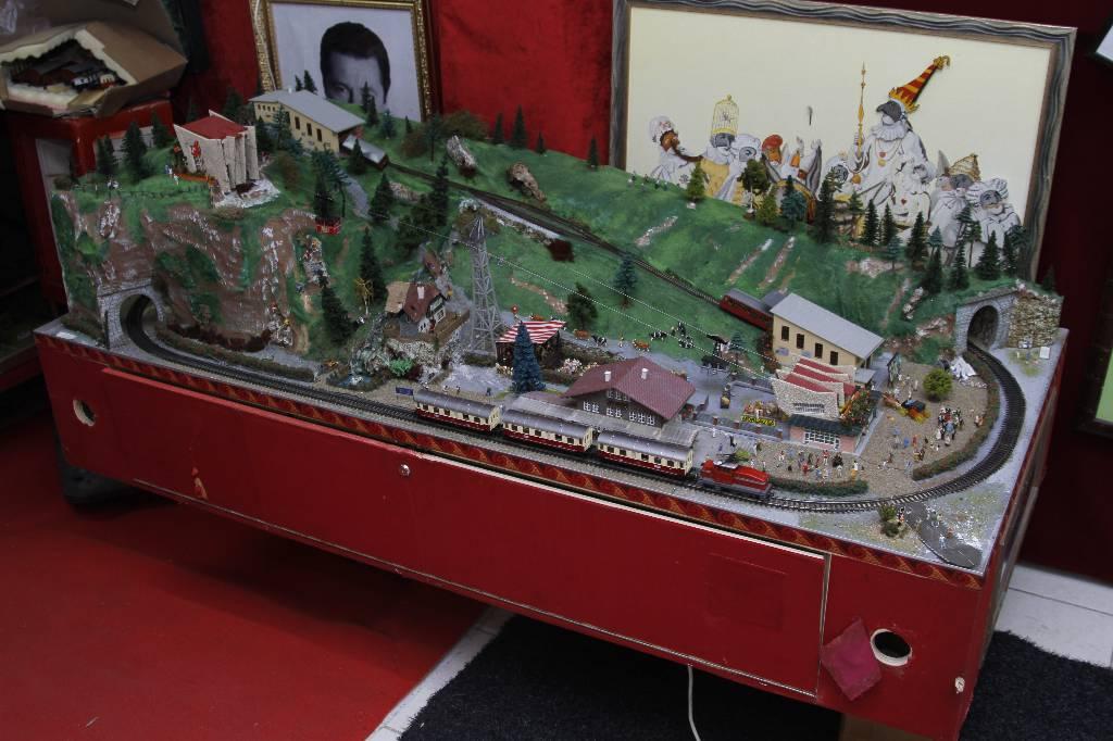 Le Train Téléphérique Animé de 1940 | Puces Privées