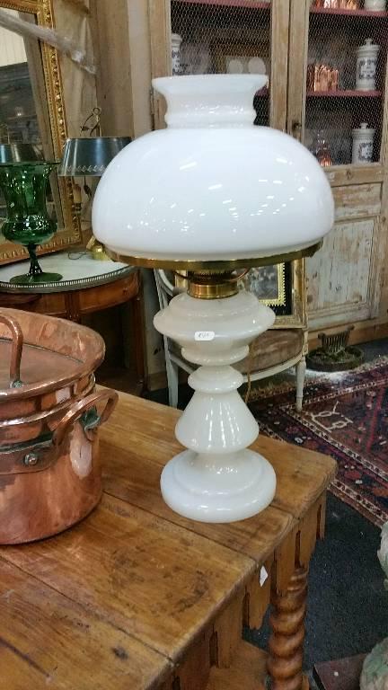 lampe en opaline 19em   Puces Privées