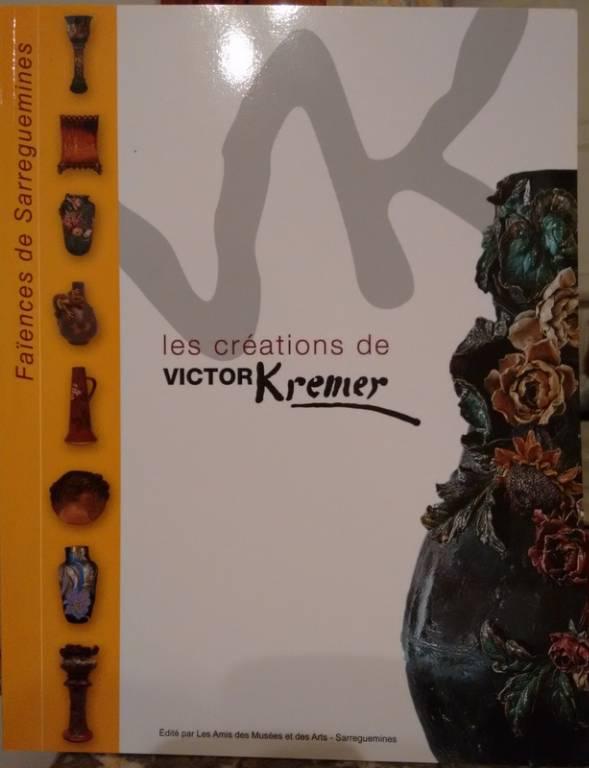 Victor Kremer (1857 – 1908) Magnifique jardinière de la faïencerie de SARREGUEMINES (XIXème) | Puces Privées