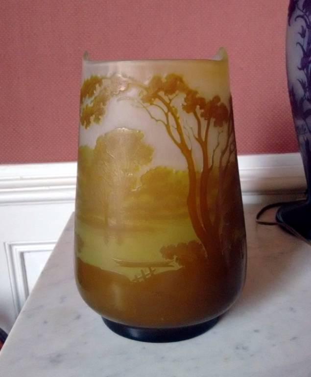 Grand vase GALLE en verre multicouche à décor lacustre vers 1900 | Puces Privées