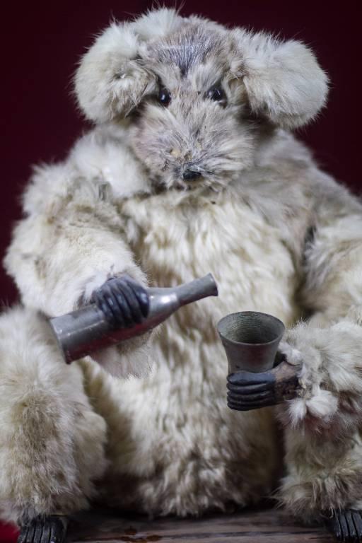Ours buveur de Decamps   Puces Privées