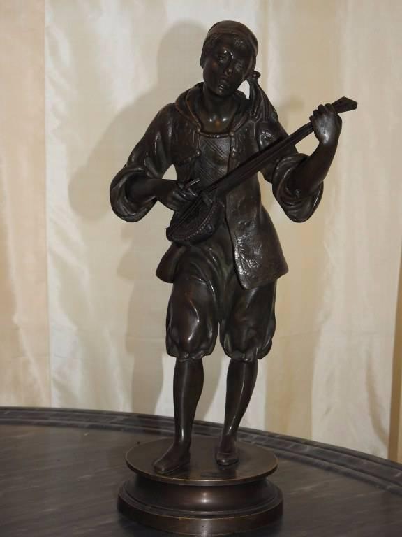 Statue en Bronze: LE CHANTEUR NAPOLITAIN | Puces Privées