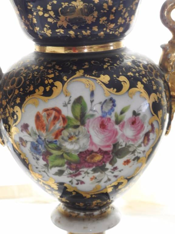 Paire de vases en porcelaine de Paris XIX eme siècle | Puces Privées