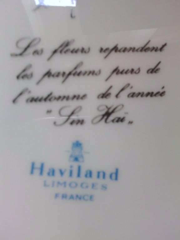 Suite de 24 assiettes en porcelaine HAVILAND FRANCE   Puces Privées