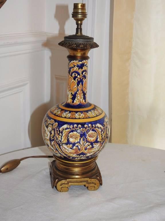 GIEN : Pied de lampe en faience et bronze. | Puces Privées