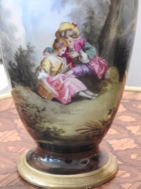 Paire de vases en porcelaine peinte XIX eme | Puces Privées