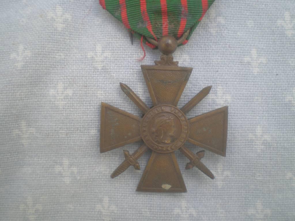 croix de guerre francaise de 1 guerre  grande guerre   Puces Privées