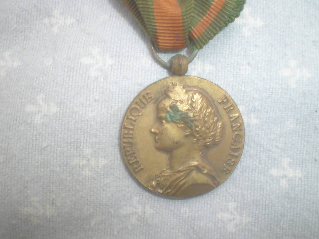 medaille francaise des evade de 1 guerre | Puces Privées