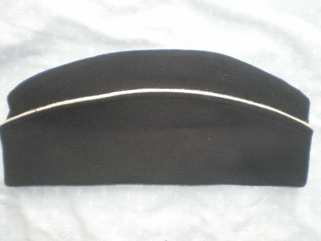 bonet de police trouipe de gendarmerie francaise obsolette | Puces Privées