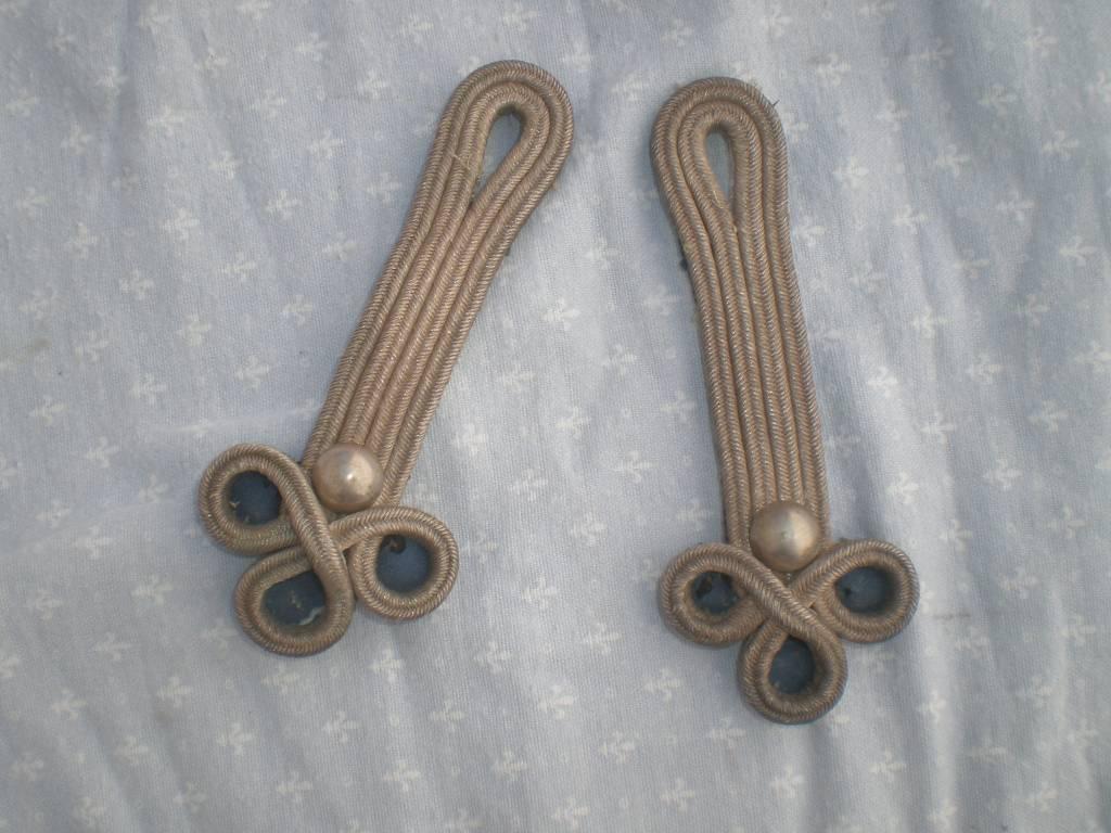 paire d epaulettes trefle d officier de cavalerie legere pour dolman | Puces Privées