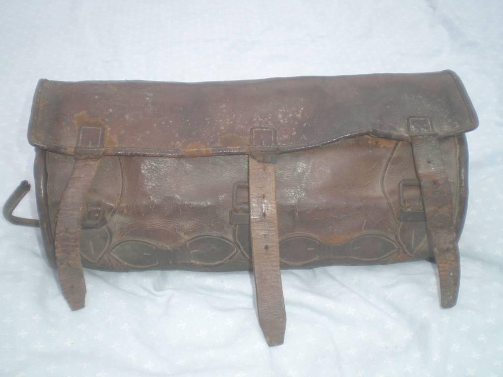 porte  manteau d officier de cavalerie legere et armee d afrique 19 siecle   Puces Privées