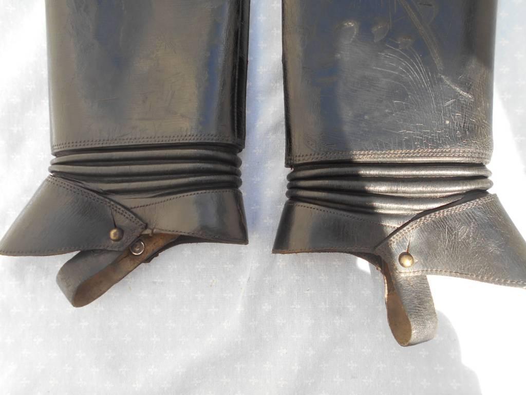 paire de houzeaux d officier et sous officier de cavalerie francaise de 1 guerre   Puces Privées