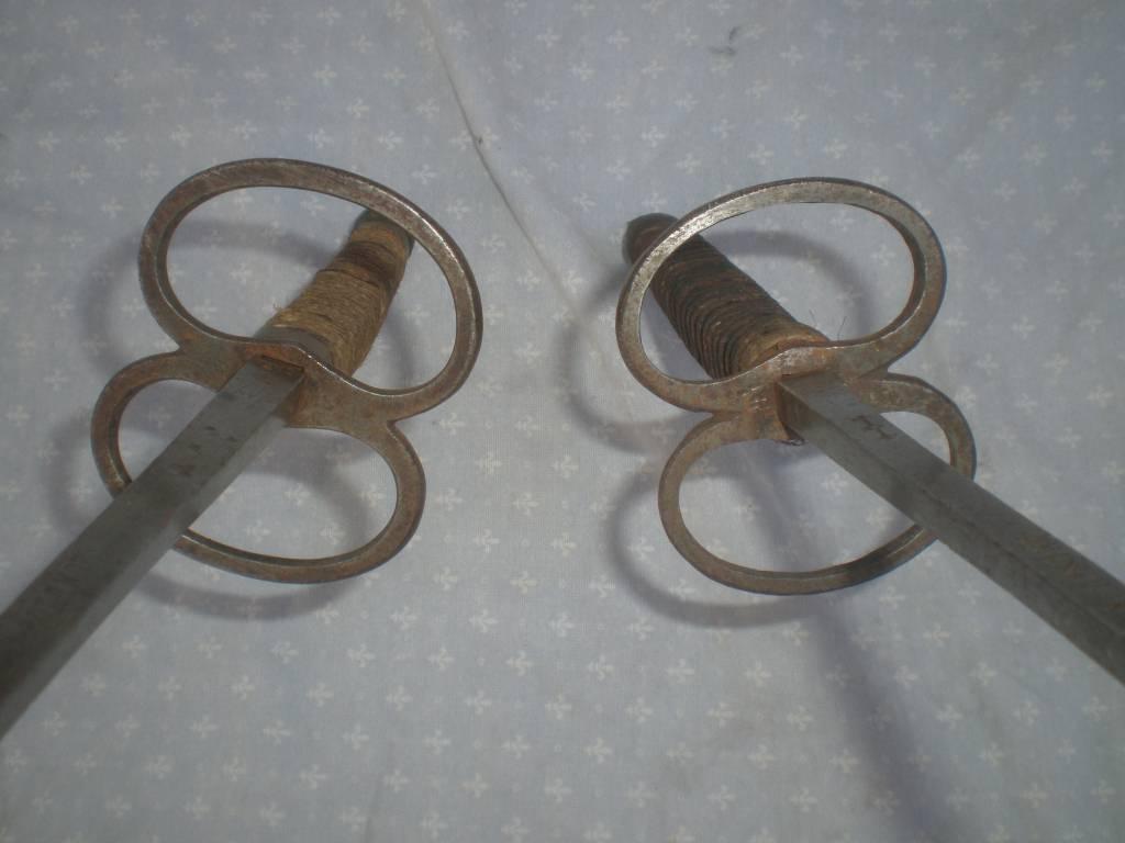 paire de fleuret d escrime 19 siecle vente interdite aux mineur d age de moin de18 ans | Puces Privées
