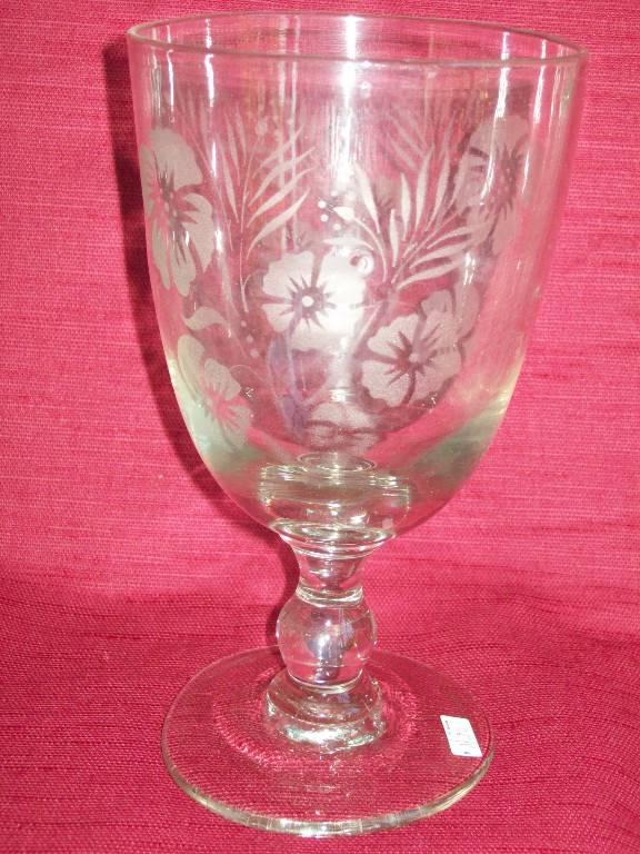 No - 246-Grand verre de mariage gravé à décor floral  XIXème   Puces Privées
