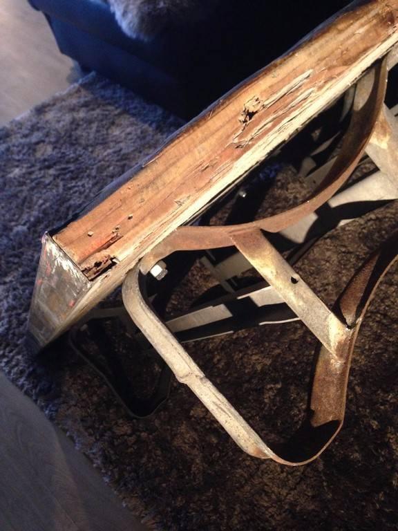 table basse industrielle   Puces Privées