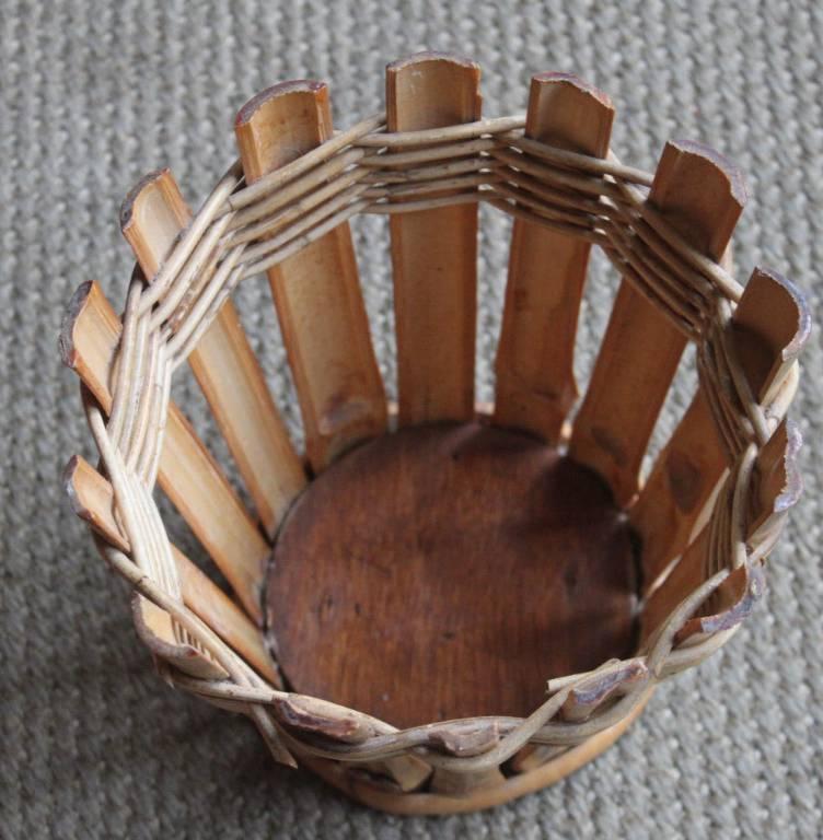 Petit vide-poche, corbeille, vintage en bambou vernis | Puces Privées