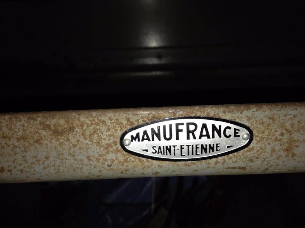 Desserte Manu France | Puces Privées