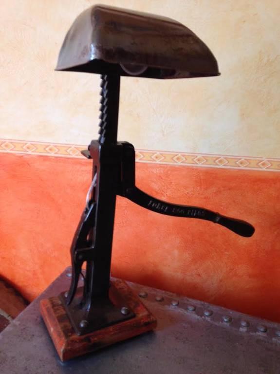 Art N° 193 Lampe crique Parisien en fonte Métal | Puces Privées