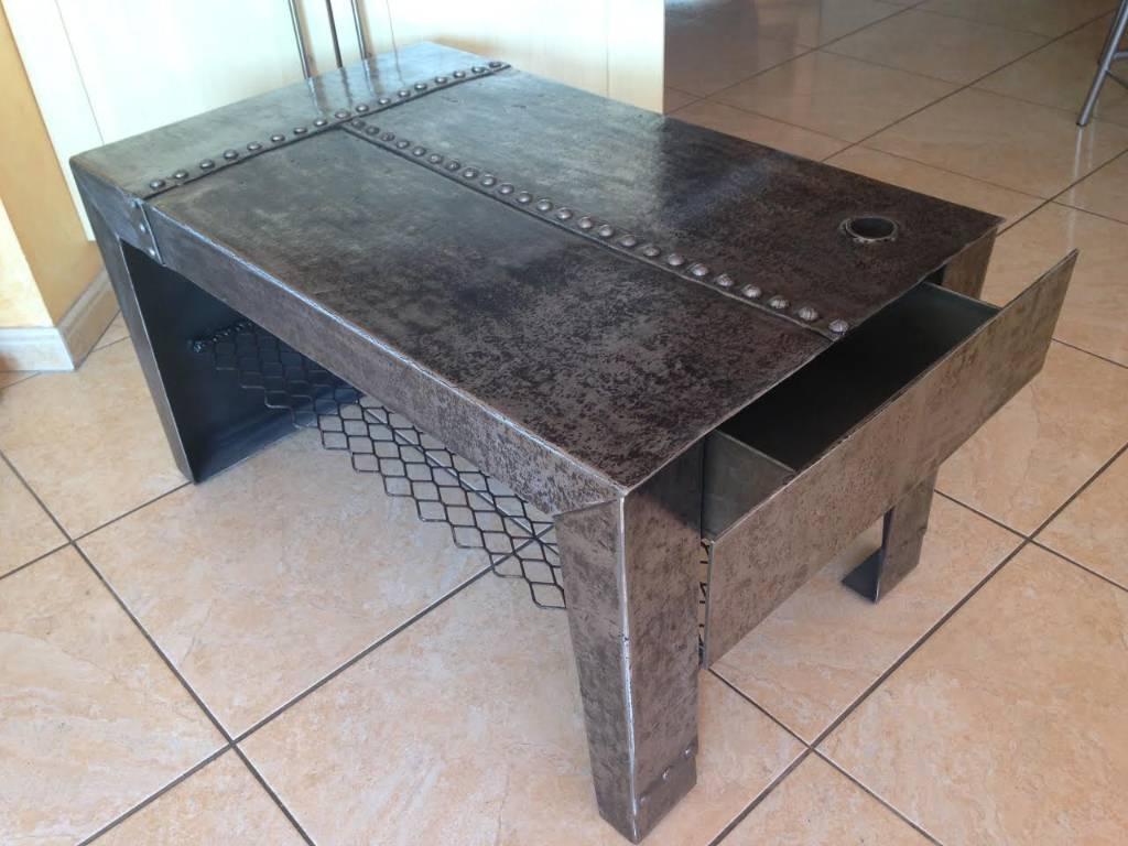 Table basse rectangle métal d'époque rivets Eiffel | Puces Privées