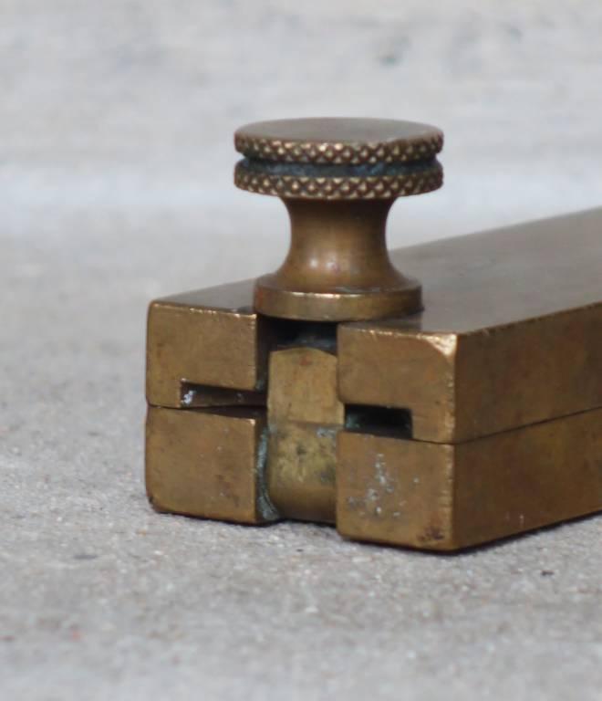 Moule à suppositoires de pharmacie fin XIXème siècle | Puces Privées