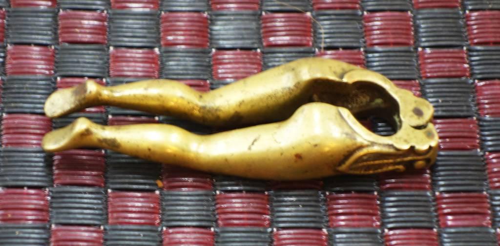 Casse noix fin XIXème siècle   Puces Privées