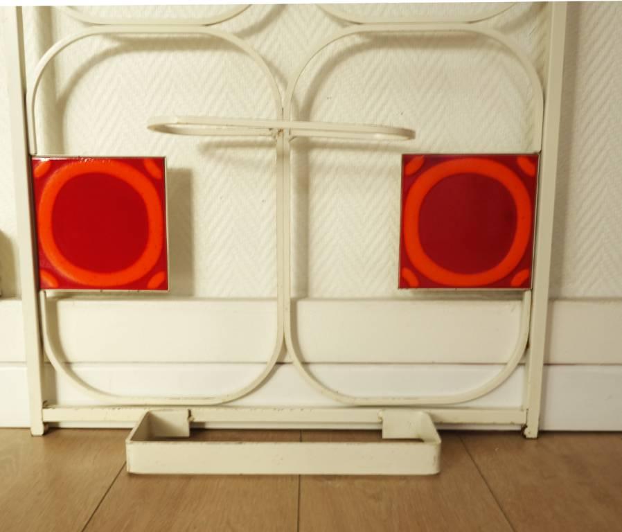Porte-manteaux acier blanc & céramique vintage | Puces Privées